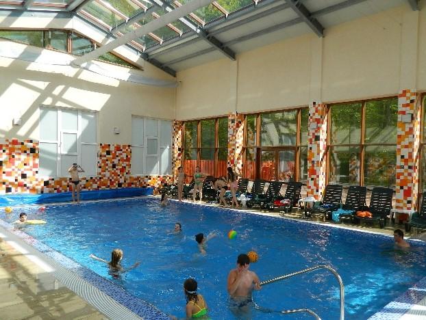 Hotel pensiunea metropol baile felix for Cazare cu piscina interioara valea prahovei