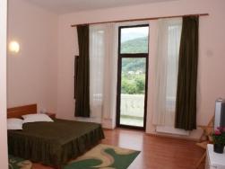Hotel Vila Themis - Calimanesti-Caciulata - poza 3 - travelro