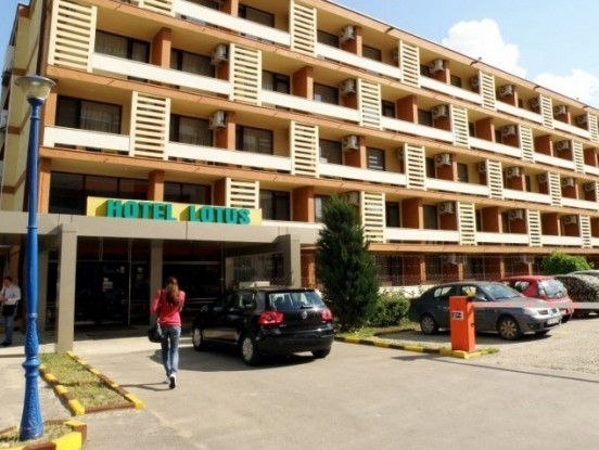 hotel lotus mamaia