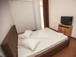 Hotel aparthotel summerland mamaia for Appart hotel mediterranee